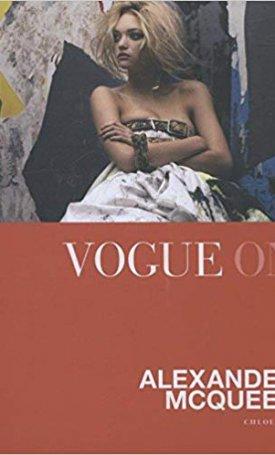 Vogue on: Alexander McQueen - Vogue on Designers